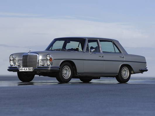 Mercedes-Benz W109